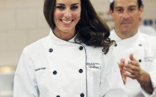 kate-middleton-devenue-la-princesse-catherine-tout-sourire-10488902esngd_2041